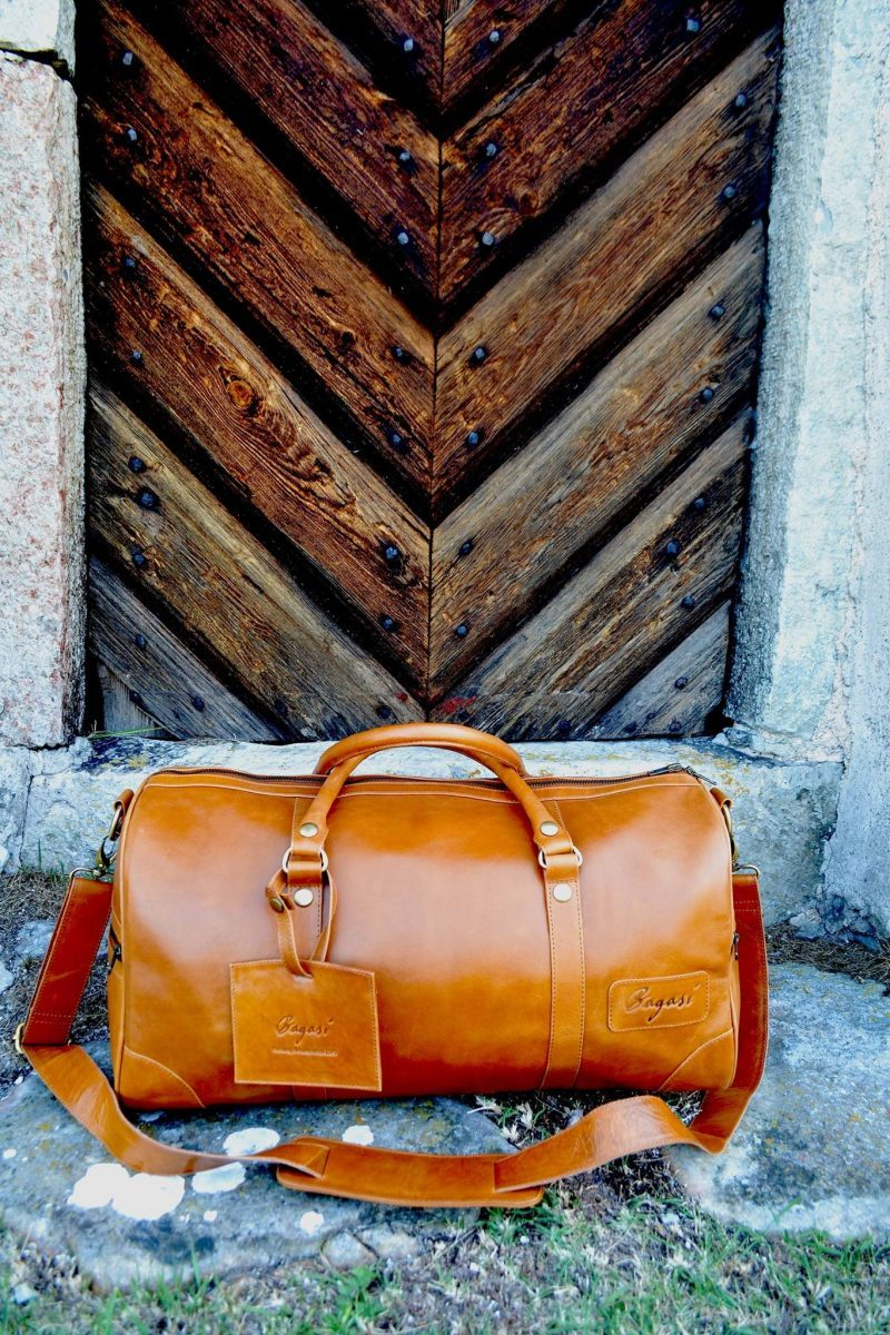 weekend_caramel_woodendoor
